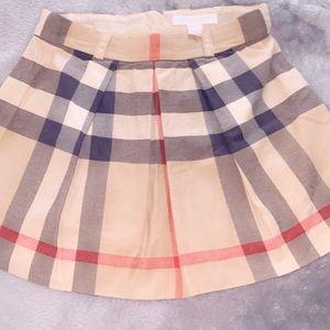 Girls size 6 Burberry skirt